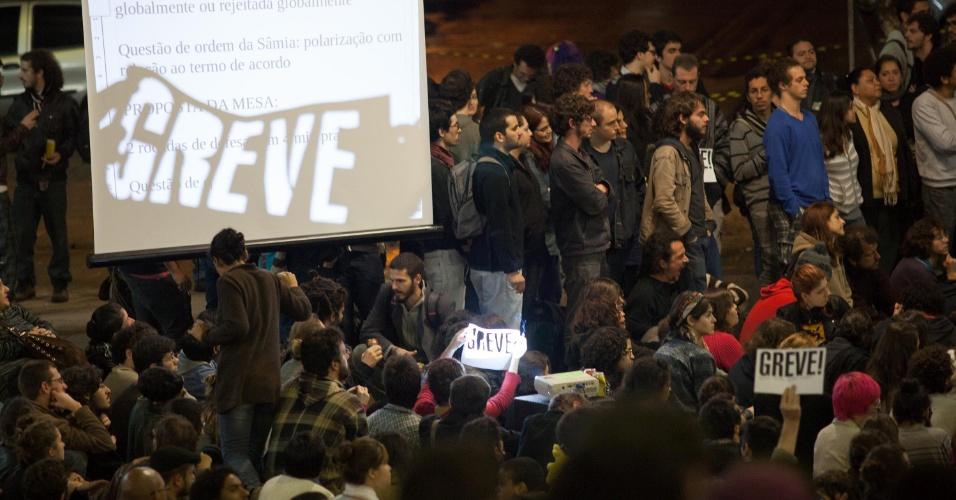 6nov2013---estudantes-da-usp-universidade-de-sao-paulo-d_002